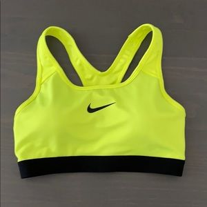Nike Spots Bra